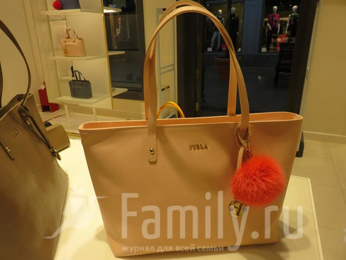 Сумки Furla в Fashion House Outlet Centre Moscow