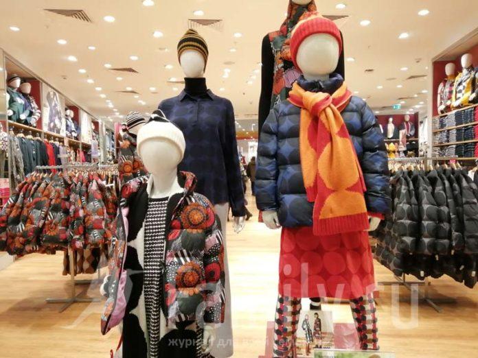 Одежда с принтами в магазине Uniqlo