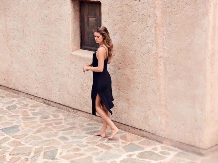 Черное платье-комбинация