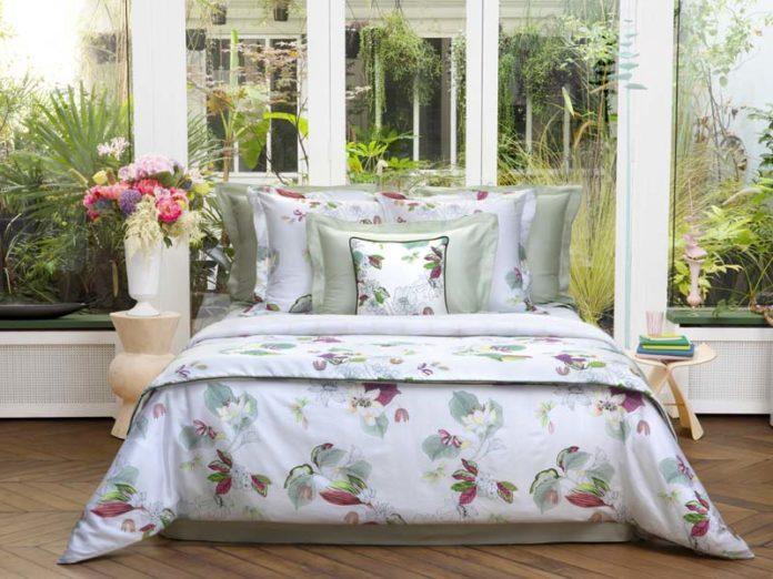 Постельное белье с цветочным рисунком