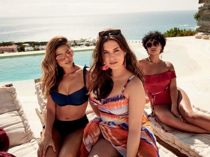 Женщины на пляже