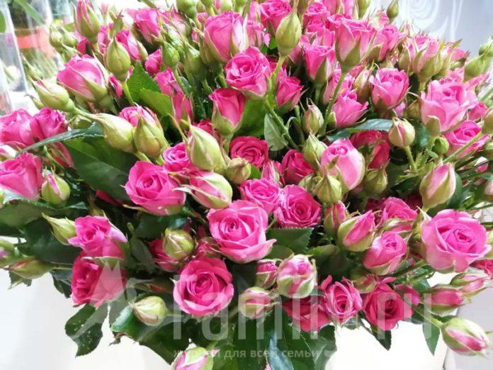 Роскошный букет роз