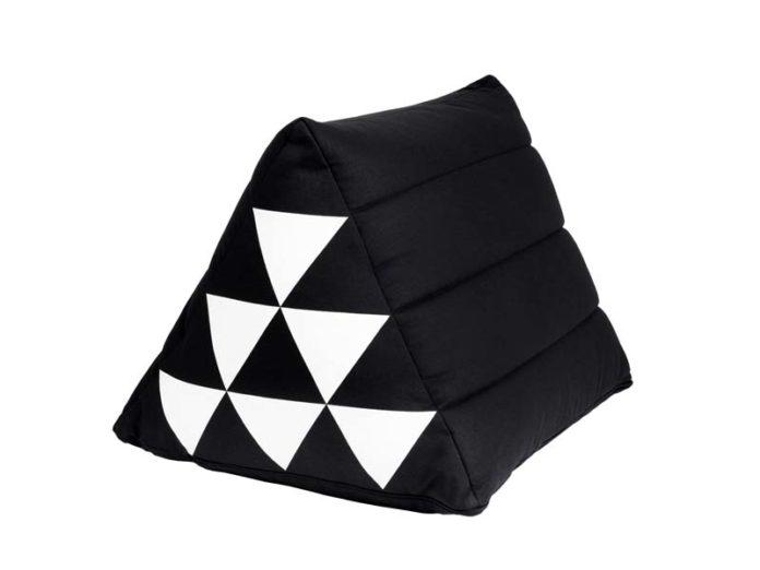 Треугольная подушка