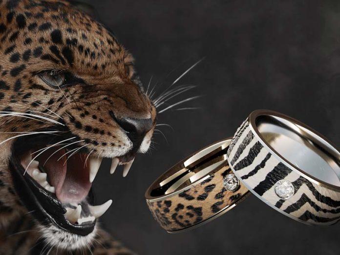 Оригинальные кольца из серебра с керамикой