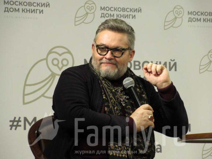 Александр Васильев – ведущий «Модного приговора»