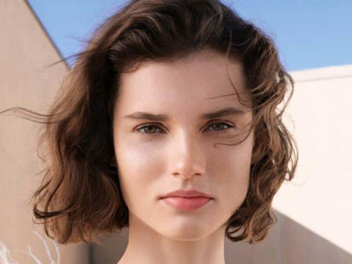 Девушка в рекламе Sephora