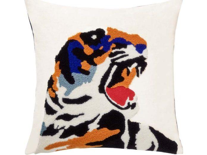 Тигр на вышивке