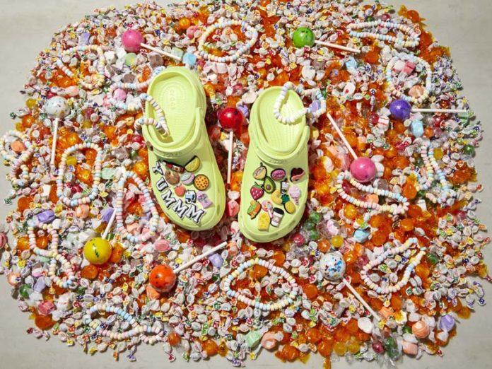 Обувь Crocs с украшениями