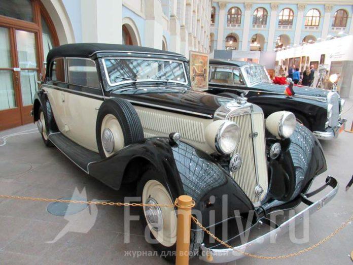 Старинный Rolls-Royce