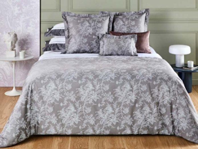 Вышивка на постельном белье