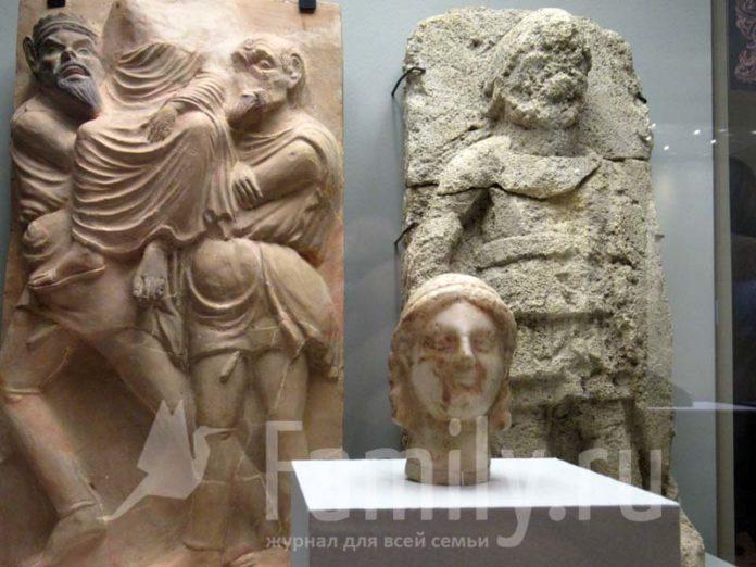 Античные барельефы