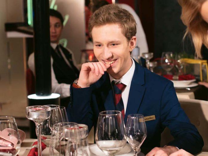 Семён Трескунов в ресторане