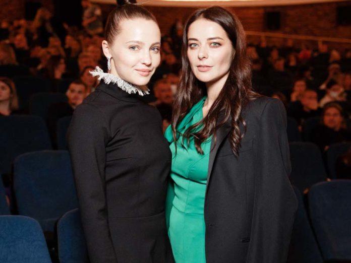 Марина Александрова и Юлия Хлынина