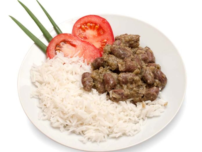 Куриные сердечки в сметане с рисом