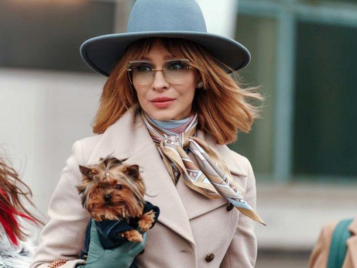 Елена Подкаминская в шляпе